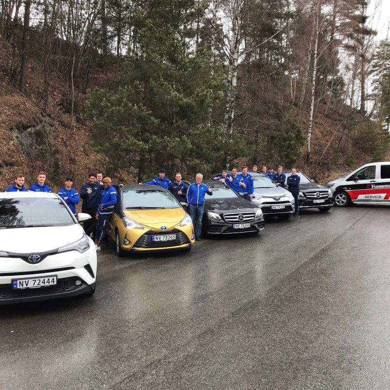 FUNNEMARK: Spillerne låner biler av Funnemark denne helgen.